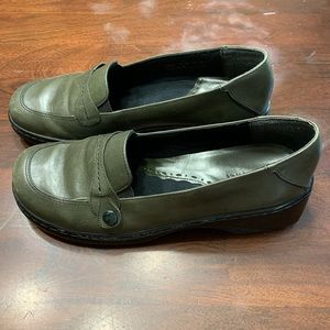 Clarks Women's Loafers Shoes Leather Sz 8 1/2M